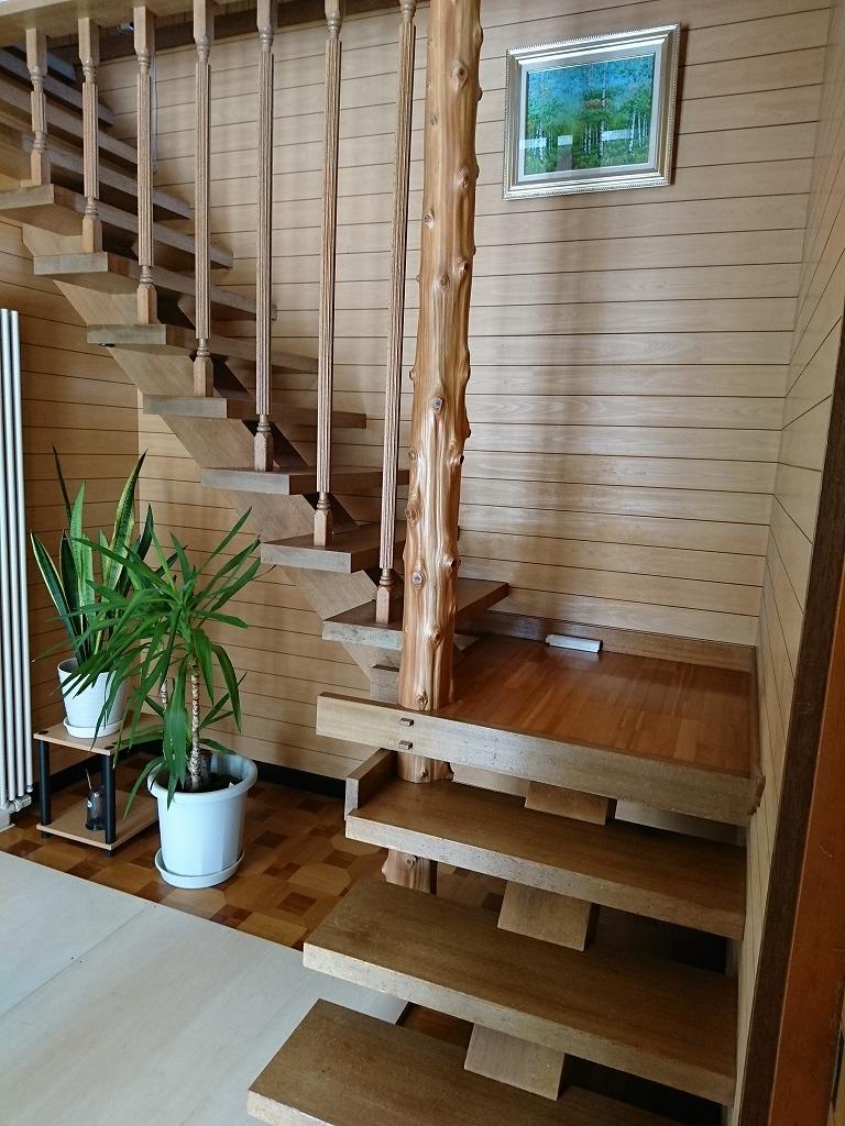 ご自宅の階段